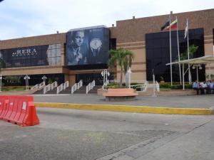 Local Comercial En Venta En Maracaibo, El Milagro, Venezuela, VE RAH: 14-12512