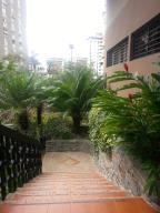 En Venta En Caracas - Terrazas del Avila Código FLEX: 14-12557 No.2