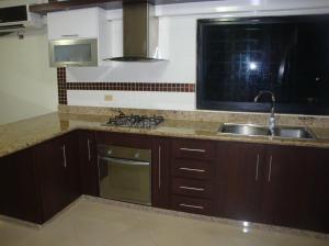 Apartamento En Ventaen Ciudad Bolivar, Paseo Meneses, Venezuela, VE RAH: 14-12682