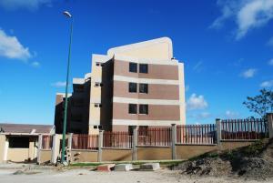 Apartamento En Venta En Caracas, La Lagunita Country Club, Venezuela, VE RAH: 14-12778
