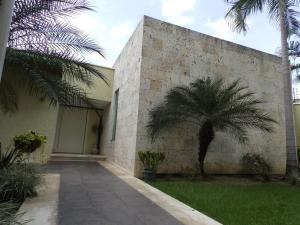 Casa En Venta En Valencia, Guaparo, Venezuela, VE RAH: 14-12785