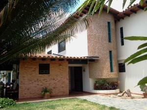 Casa En Ventaen Caracas, Karimao Country, Venezuela, VE RAH: 14-12848