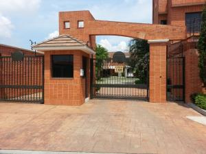 Townhouse En Venta En Valencia, Trigal Norte, Venezuela, VE RAH: 14-13126