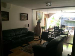 Casa En Venta En Caracas - Los Palos Grandes Código FLEX: 14-13176 No.6