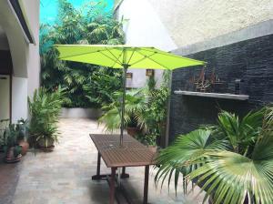 Casa En Venta En Caracas - Los Palos Grandes Código FLEX: 14-13176 No.10