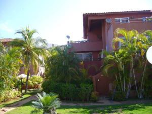 Apartamento En Venta En Margarita, Playa El Angel, Venezuela, VE RAH: 14-13173