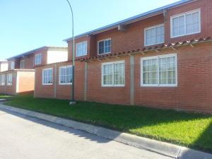 Apartamento En Venta En Higuerote, Conjunto Residencial Costa Grande Ii, Venezuela, VE RAH: 14-13287