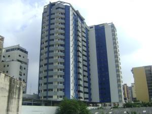 Apartamento En Venta En Maracay, Zona Centro, Venezuela, VE RAH: 14-13296