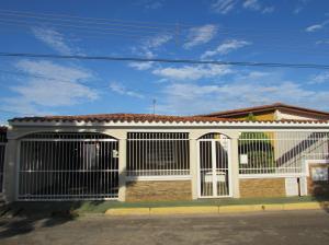 Casa En Venta En Puerto Ordaz, Villa Icabaru, Venezuela, VE RAH: 14-8104