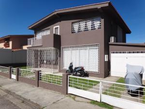 Casa En Ventaen San Antonio De Los Altos, Los Castores, Venezuela, VE RAH: 14-13420
