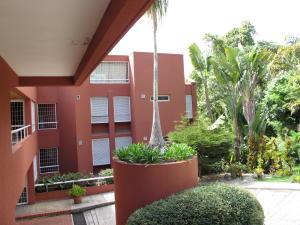 Apartamento En Venta En Caracas, Sector El Arroyo, Venezuela, VE RAH: 14-13504