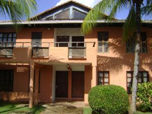 Apartamento En Venta En Chichiriviche, Flamingo, Venezuela, VE RAH: 15-4