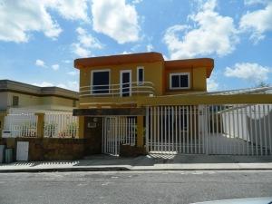 Casa En Ventaen Caracas, Los Naranjos Del Cafetal, Venezuela, VE RAH: 15-249