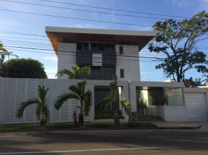 Apartamento En Venta En Maracaibo, Virginia, Venezuela, VE RAH: 15-1107