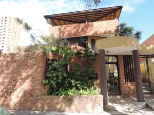 Casa En Venta En Valencia, El Parral, Venezuela, VE RAH: 15-313