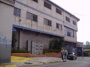 Edificio En Alquileren Los Teques, Municipio Guaicaipuro, Venezuela, VE RAH: 15-440