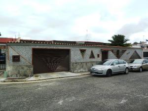 Casa En Venta En San Antonio De Los Altos, Parque El Retiro, Venezuela, VE RAH: 15-536