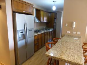 Apartamento En Venta En Maracaibo, 5 De Julio, Venezuela, VE RAH: 15-639