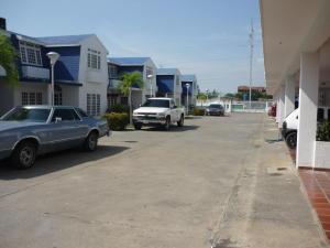 Apartamento En Venta En Ciudad Ojeda, Bermudez, Venezuela, VE RAH: 15-708