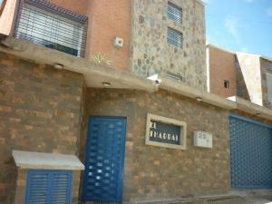 Casa En Venta En Caracas, Los Guayabitos, Venezuela, VE RAH: 15-718