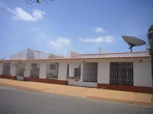 Casa En Venta En Punto Fijo, Judibana, Venezuela, VE RAH: 15-914