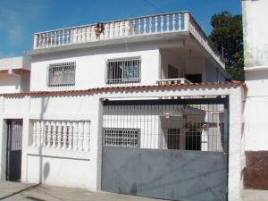Casa En Venta En Parroquia Carayaca, Sector Las Salinas, Venezuela, VE RAH: 15-929