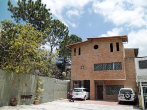 Casa En Venta En Caracas, Las Palmas, Venezuela, VE RAH: 15-1173
