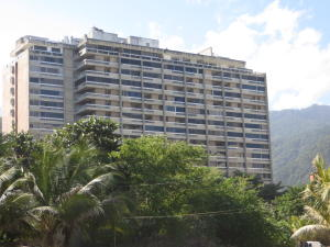 Apartamento En Venta En Parroquia Naiguata, Camuri Grande, Venezuela, VE RAH: 15-1343