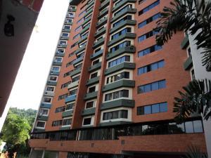 Apartamento En Venta En Valencia, El Bosque, Venezuela, VE RAH: 15-1452