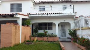 Casa En Venta En Valencia, Trigal Norte, Venezuela, VE RAH: 14-12334