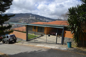 Casa En Venta En Caracas, Lomas De La Trinidad, Venezuela, VE RAH: 15-1618