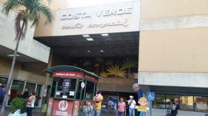 Local Comercial En Venta En Maracaibo, Avenida Bella Vista, Venezuela, VE RAH: 14-12483