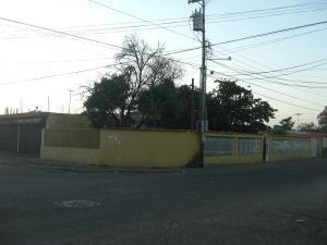 Casa En Venta En Cabimas, Cumana, Venezuela, VE RAH: 15-1603