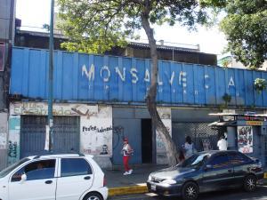 Local Comercial En Venta En Caracas, San Martin, Venezuela, VE RAH: 15-1739
