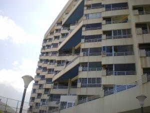 Apartamento En Venta En Parroquia Caraballeda, Palmar Este, Venezuela, VE RAH: 15-1964