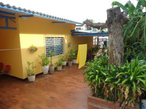 Casa En Venta En Maracaibo, Los Haticos, Venezuela, VE RAH: 15-1823