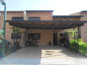Townhouse En Venta En Municipio San Diego, Trigal De San Diego, Venezuela, VE RAH: 15-1815