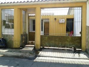 Casa En Venta En Valencia, Flor Amarillo, Venezuela, VE RAH: 15-2396