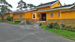 Casa En Ventaen Caracas, La Lagunita Country Club, Venezuela, VE RAH: 15-1924