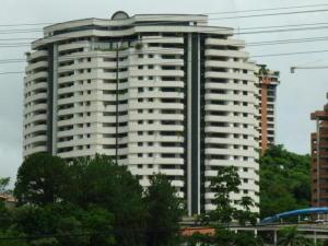 Apartamento En Venta En Valencia, El Bosque, Venezuela, VE RAH: 15-1966