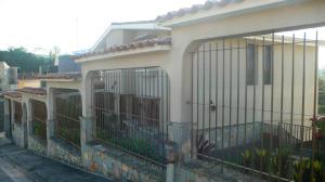 Casa En Venta En San Antonio De Los Altos, Los Castores, Venezuela, VE RAH: 15-2120