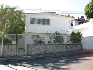 Casa En Venta En Caracas, Los Palos Grandes, Venezuela, VE RAH: 15-2196
