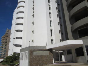 Apartamento En Venta En Municipio Maneiro Pampatar, Playa El Angel, Venezuela, VE RAH: 15-2227