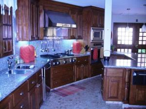 Casa En Venta En Maracaibo, La Lago, Venezuela, VE RAH: 15-2250