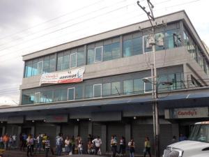 Local Comercial En Venta En Turmero, Zona Centro, Venezuela, VE RAH: 15-2331