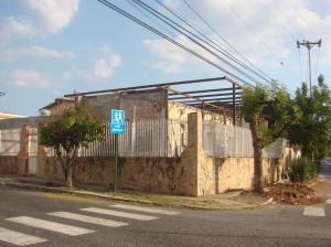 Local Comercial En Venta En Barquisimeto, Barisi, Venezuela, VE RAH: 15-3539