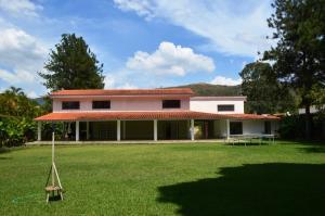 Casa En Venta En Valencia, El Soler, Venezuela, VE RAH: 15-2354