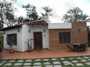 Casa En Venta En Valencia, Guataparo, Venezuela, VE RAH: 15-2404