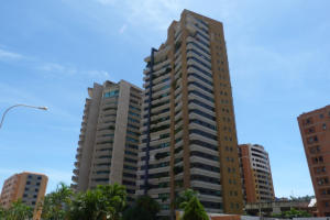 Apartamento En Venta En Valencia, Valle Blanco, Venezuela, VE RAH: 15-2446