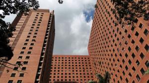 Apartamento En Venta En Caracas, Sabana Grande, Venezuela, VE RAH: 15-2521